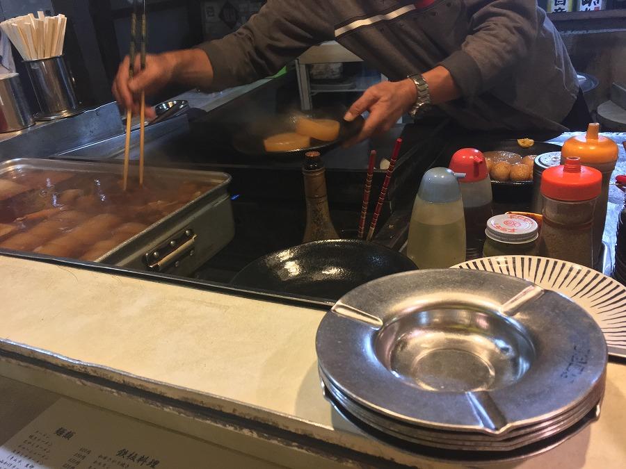 福岡の屋台で焼きラーメン